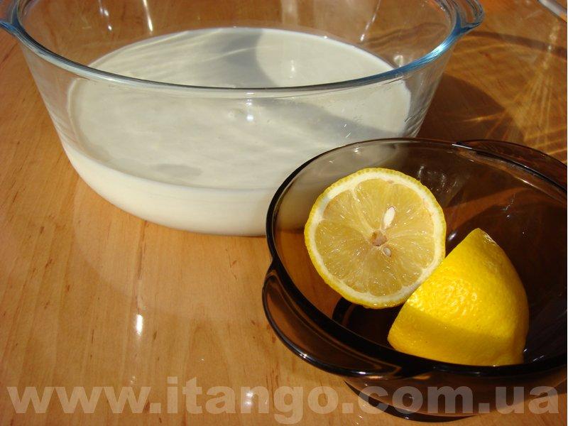 Как сделать творог из молока и сока лимона